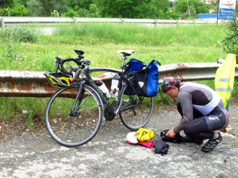 Hungarian cycle touring beast. He said he did 200-250km per day. Tough.