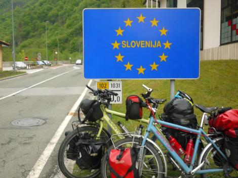 Entering Slovenija