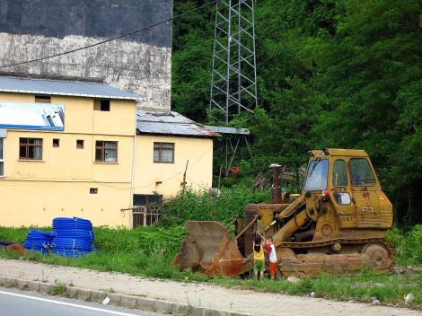 Kids and bulldozers.